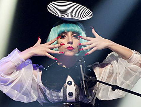 gaga in my disc hat1